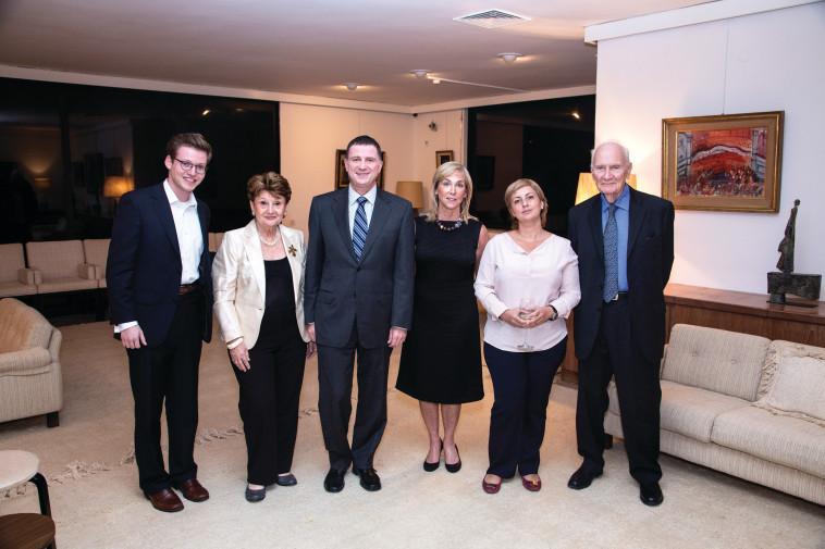 מפגש ועדת פרס בראשית. צילום:נטשה קופרמן