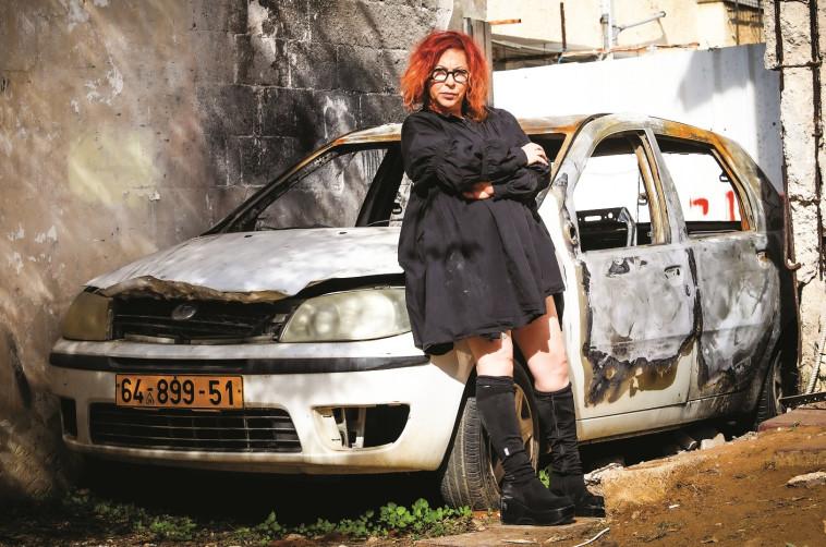 """""""אסרתי על בנותיי לפתח את הדלת. הורדתי כל סממן שמלאני מהרכב"""": שרית וינו אלעד. צילום: שלומי יוסף"""