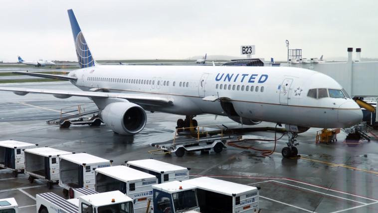 """מטוס """"יונייטד איירליינס"""" (צילום: DANIEL SLIM/Getty images)"""