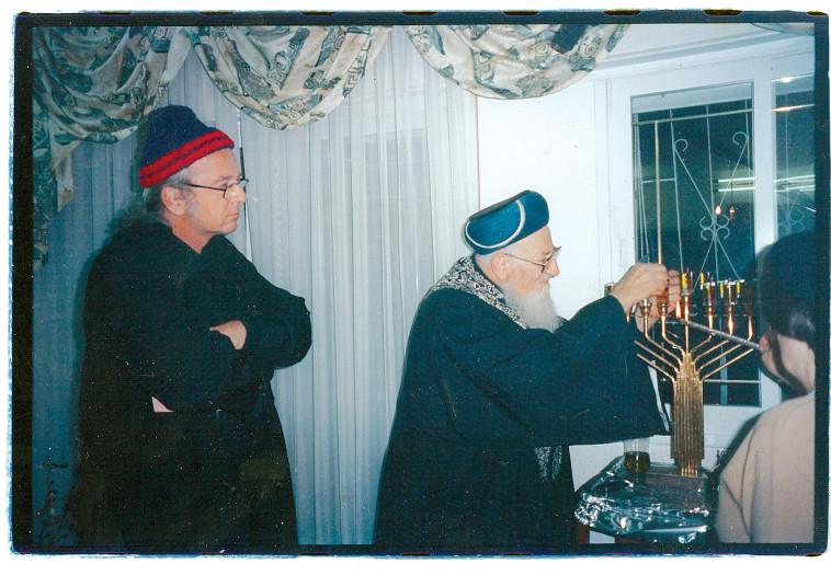 נתן, מודל 2000, עם הרב מרדכי אליהו (צילום: אלבום פרטי)
