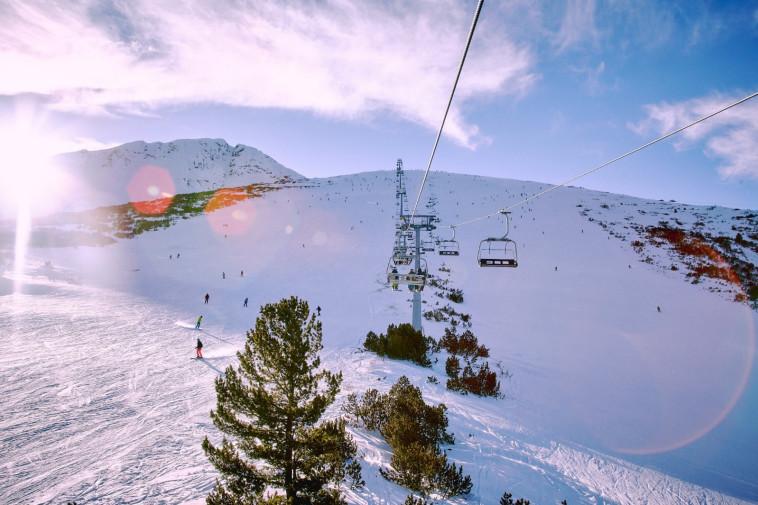 אתר הסקי בנסקו בבולגריה. צילום: Rat ski