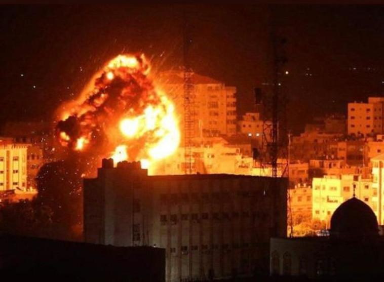 תקיפה בעזה (צילום: רשתות ערביות)
