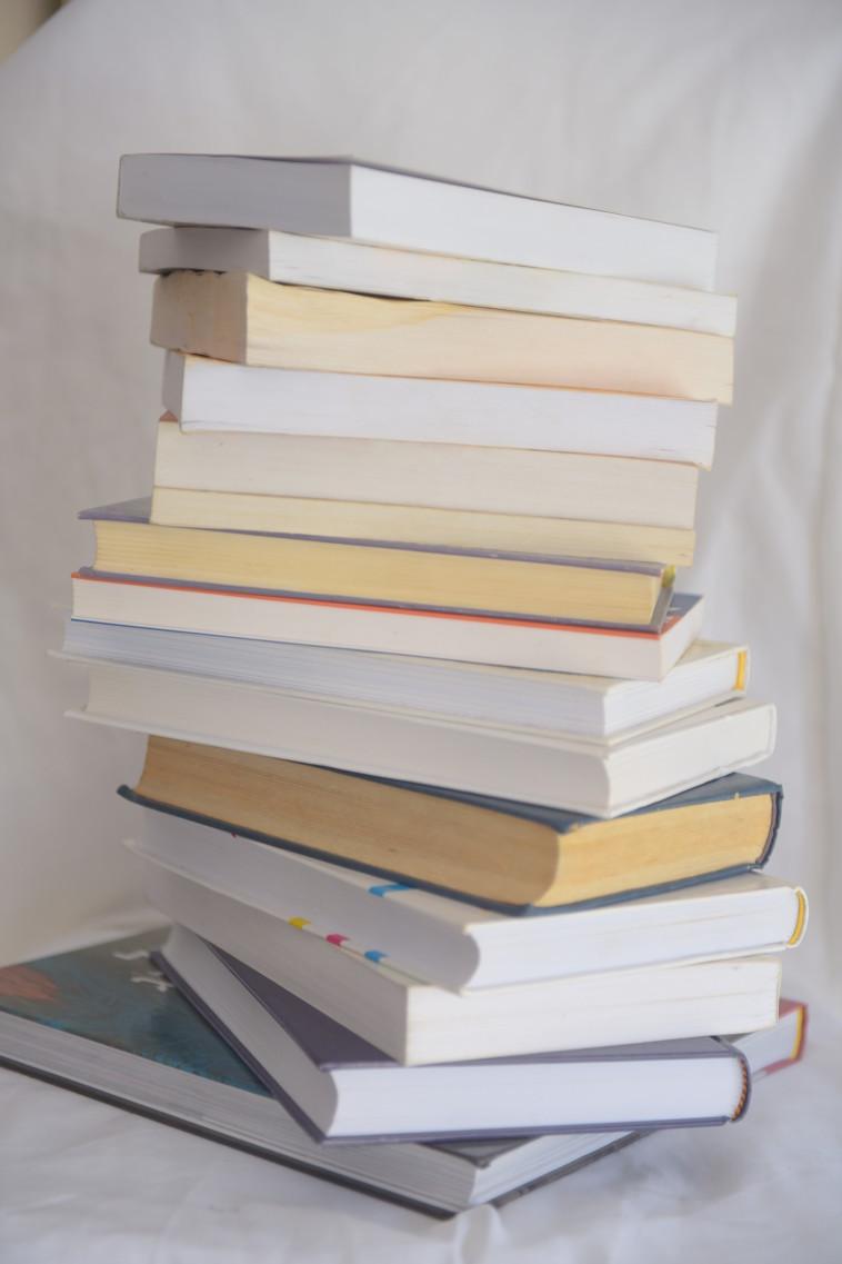 ספרים (צילום: אבשלום ששוני)