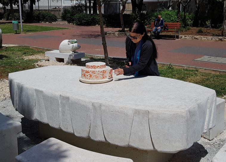 צילום ופסל בגן הסיפור מסיבה בגן העכברים (צילום: ורדה גבעולי ואילן גלבר)