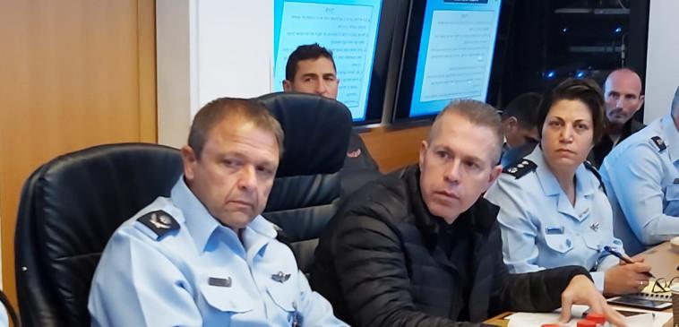 ארדן ומ''מ מפכ''ל המשטרה  (צילום: דוברות המשטרה)