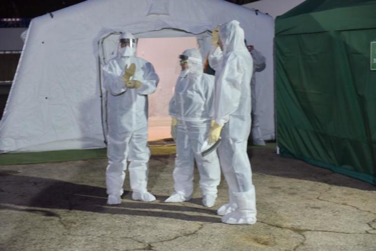 הצוות הרפואי בבית החולים שיבא (צילום: אבשלום ששוני)