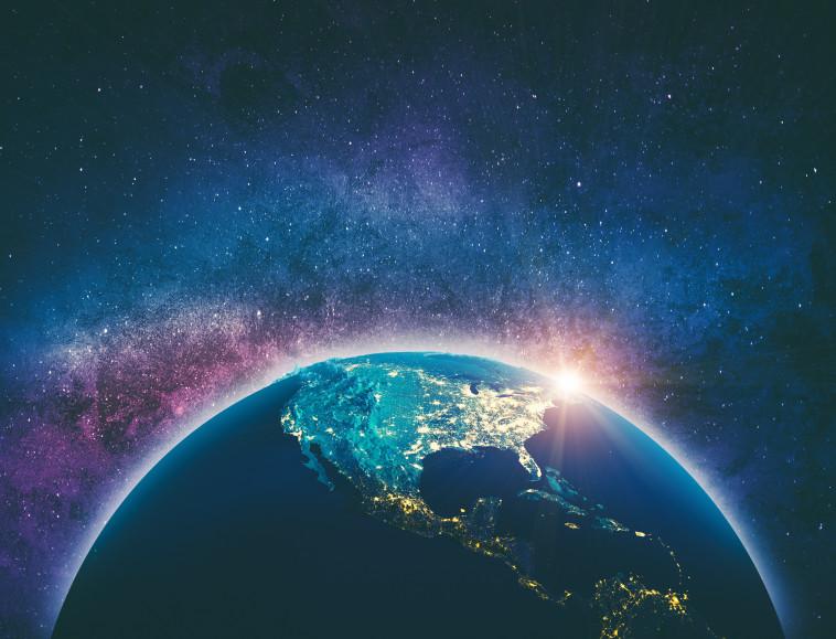 כדור הארץ, חלל (צילום: ingimages.com)