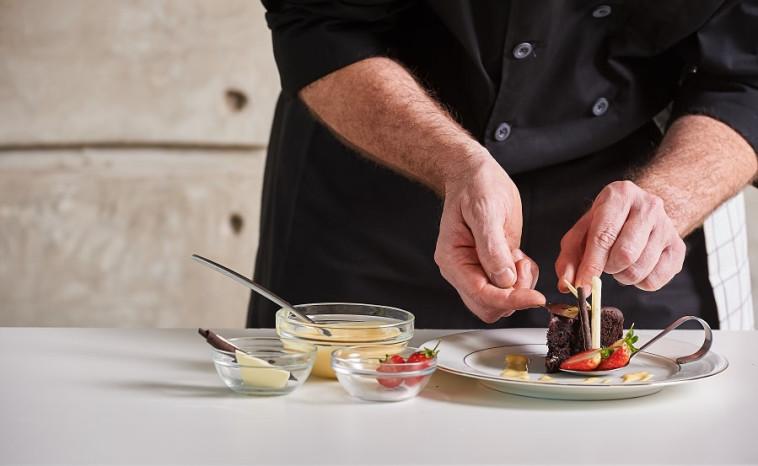 שף  (צילום: שאטרסטוק)