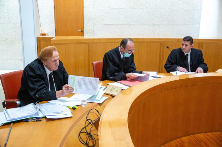 הדיון בעליון בעניינו של אדלשטיין  (צילום: אמיל סלמן)