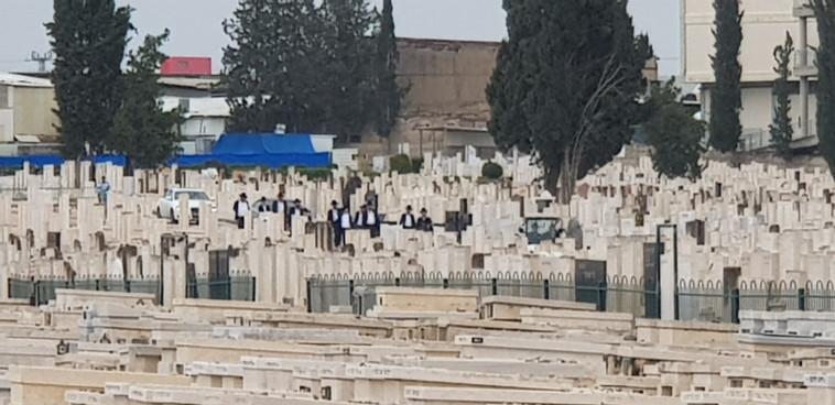 הלוויתה של הרבנית עליזה פרידמן ז''ל (צילום: אלון חכמון)