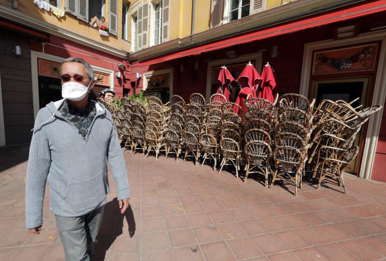 קורונה בצרפת (צילום: REUTERS/Eric Gaillard)