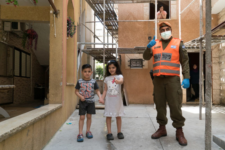 קורונה: פעילות חיילי פיקוד העורף בישובים הערבים (צילום: פיקוד העורף)