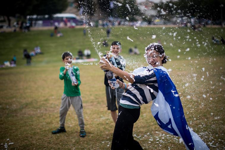 עצמאות בפארק בימים שבשגרה (צילום: יונתן זינדל, פלאש 90)