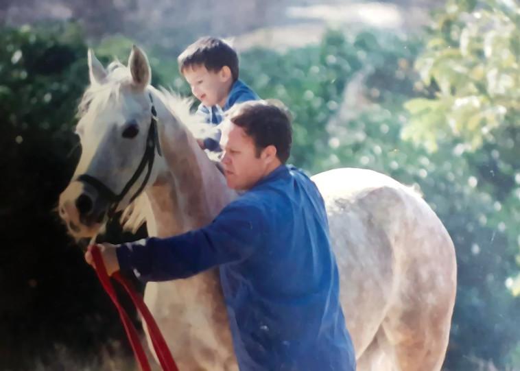 יעלי קורנפלד עם אבי, רפי ז''ל (צילום: צילום פרטי)