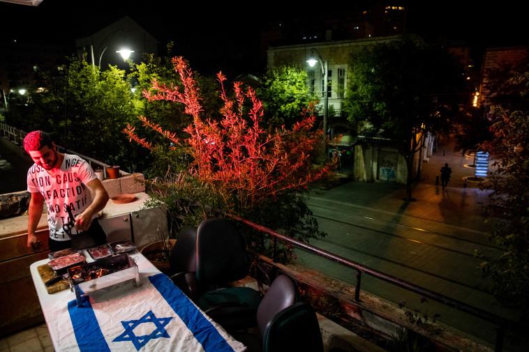בירושלים לא ויתרו על המנגל (צילום: יונתן זינדל, פלאש 90)