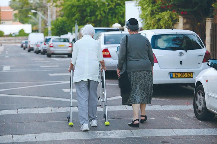 קשישים (צילום: אלוני מור)