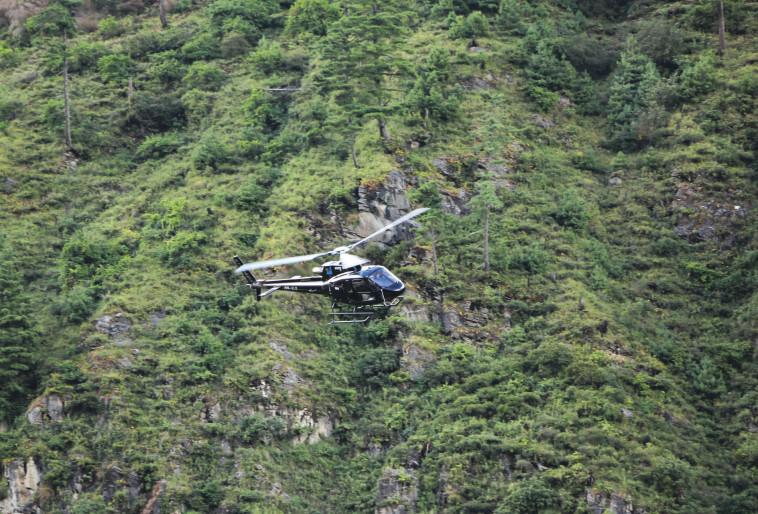 מסוק חילוץ בנפאל (צילום: טל כהן)