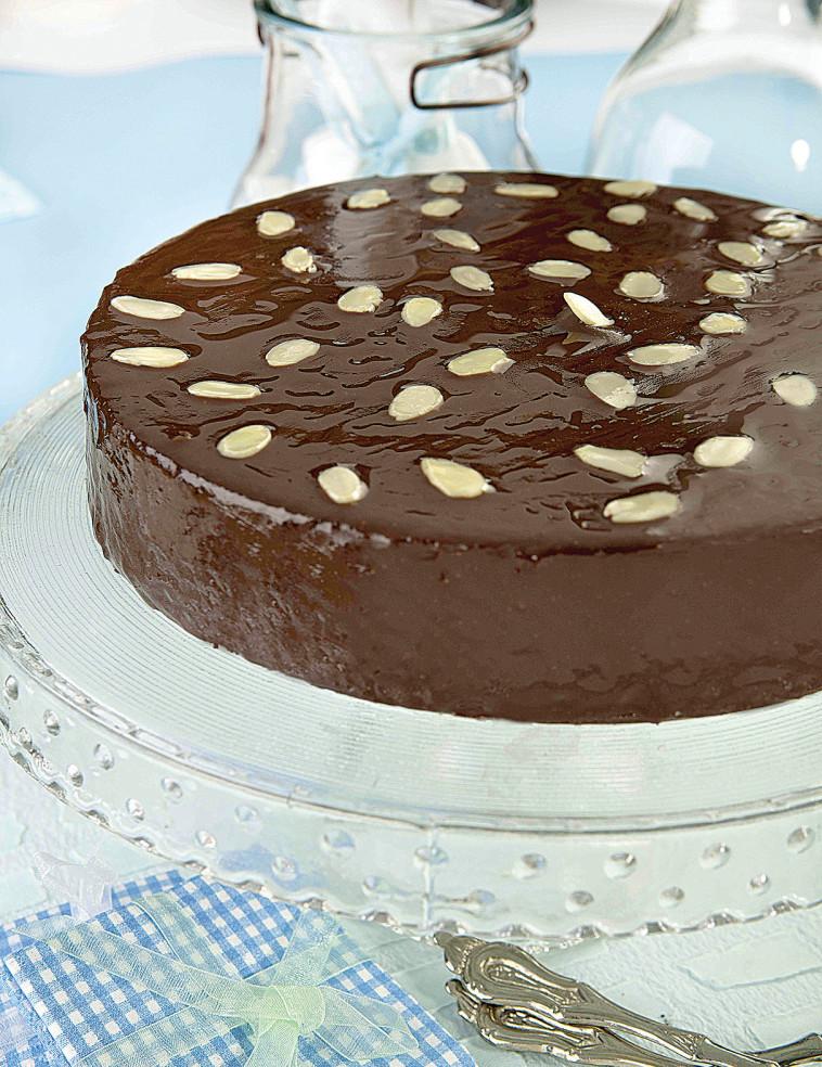 עוגה שוקולדית נימוחה (צילום: פסקל פרץ-רובין)