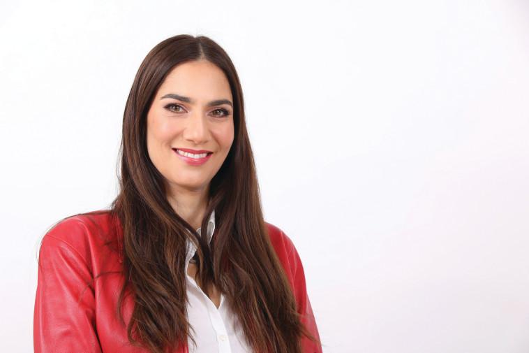 שירלי כהן עורקבי - סמנכ''לית השיווק והמכירות באשת טורס (צילום: עזרא לוי)