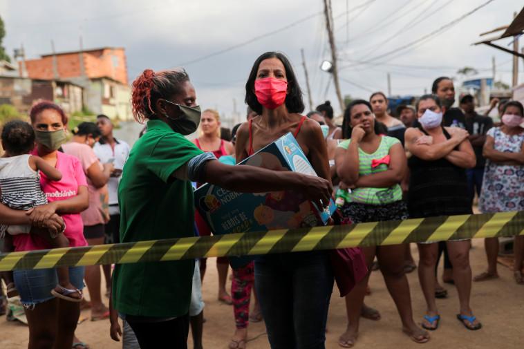 קורונה בברזיל (צילום: REUTERS/Amanda Perobelli)