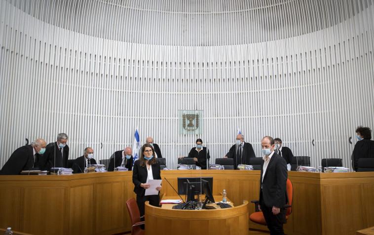 הדיון בבג''ץ (צילום: פלאש 90,אורן בן חקון)