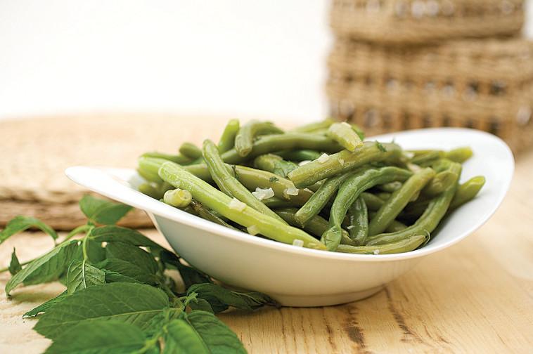 תוספת שעועית ירוקה בנענע ושום (צילום: פסקל פרץ-רובין)