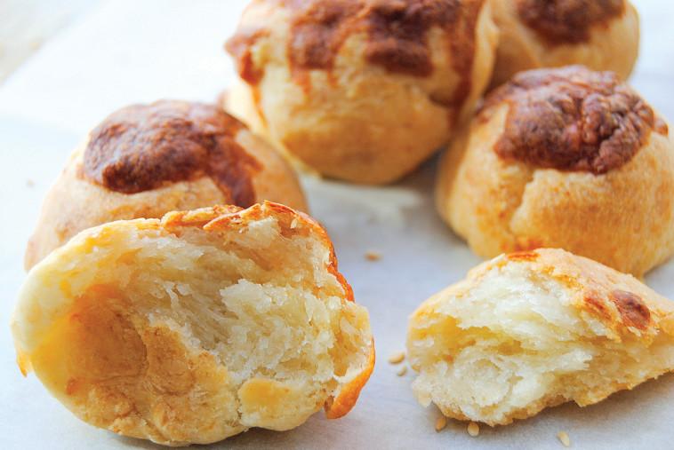 חטיפי גבינה / בואיקוס (צילום: פסקל פרץ-רובין)