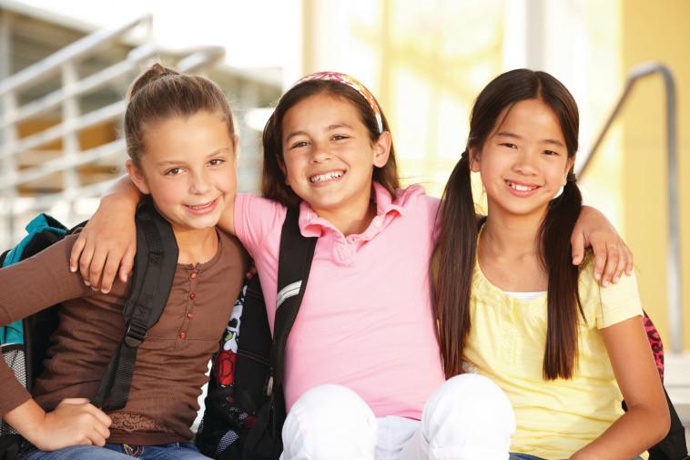 ילדות חברות (צילום: אינגאימג')