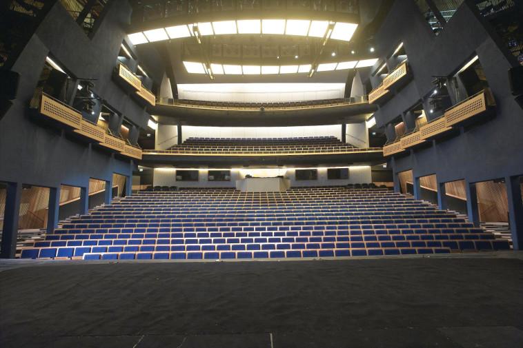 אולם בתיאטרון הקאמרי (צילום: באדיבות תיאטרון הקאמרי)