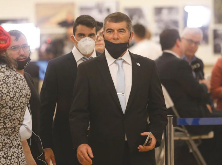 שר החוץ גבי אשכנזי (צילום: אלכס קולומויסקי, פול)