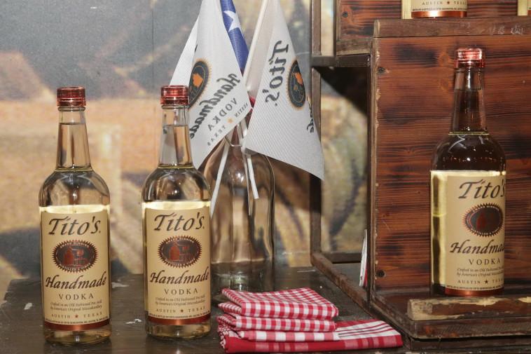 השקת וודקה טיטו'ס בישראל  (צילום: יח''צ)