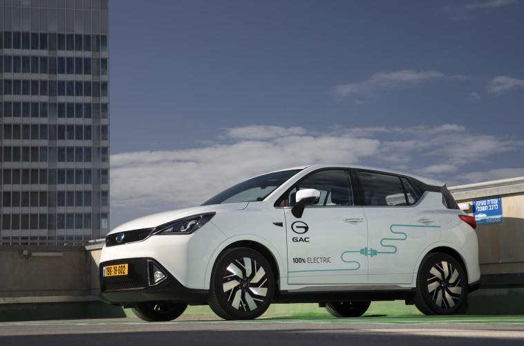רכב חשמלי סיני: 3GE של GAC (צילום: רונן טופלברג)