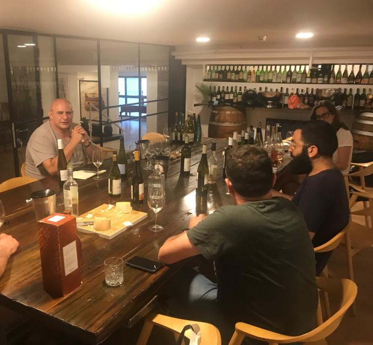 טעימת יין וגבינות, שבועות  (צילום: יח''צ)