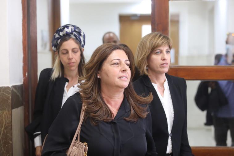 איריס אלוביץ' בבית המשפט (צילום: מרק ישראל סלם)