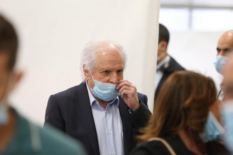 שאול אלוביץ' בבית המשפט (צילום: עמית שאבי, פול)