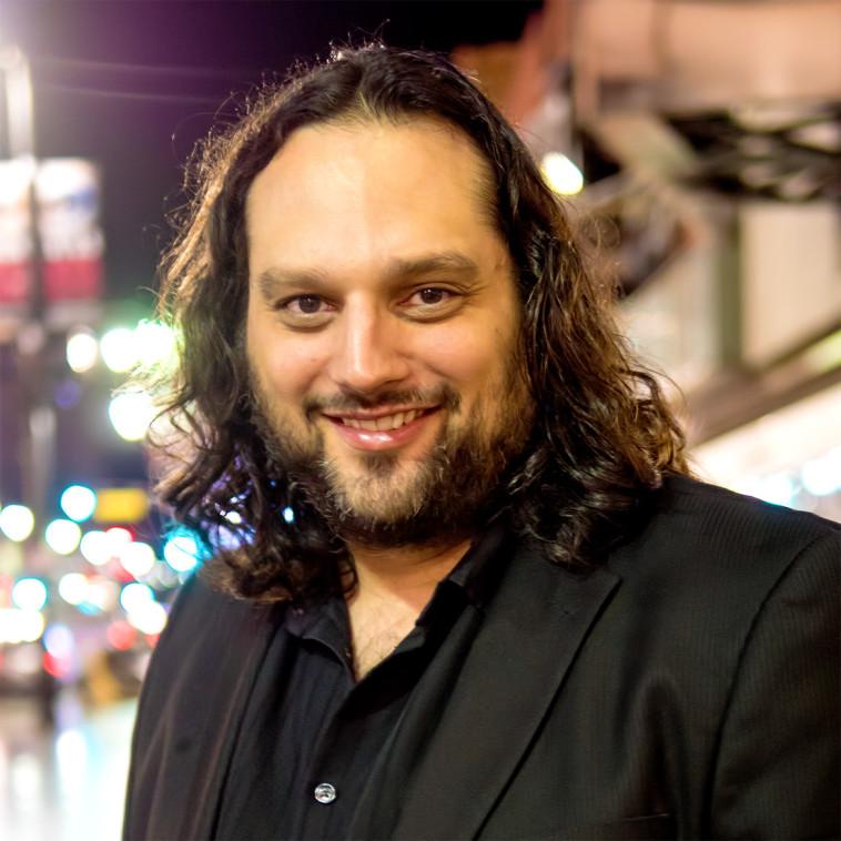המוזיקאי יובל שרים  (צילום: אדי נאברו )