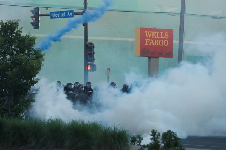 הפגנות נגד אלימות משטרתית במיניאפוליס  (צילום: REUTERS/Lucas Jackson)