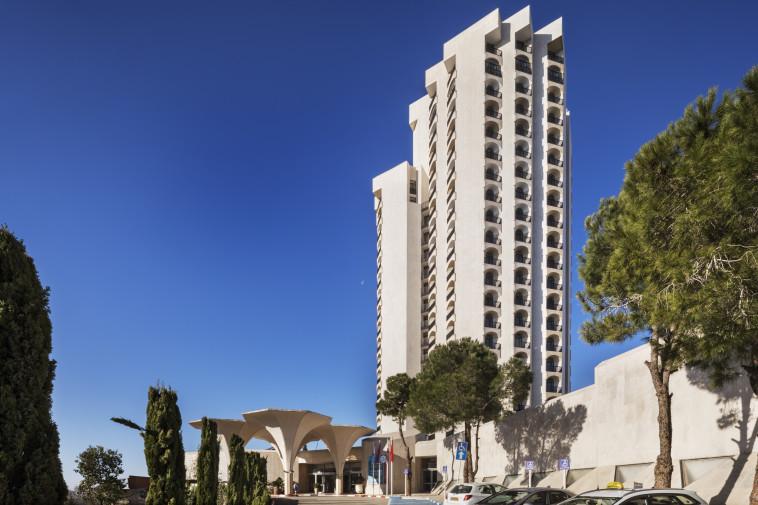מלון ''קראון פלזה'' ירושלים (צילום: אסף פינצ'וק)