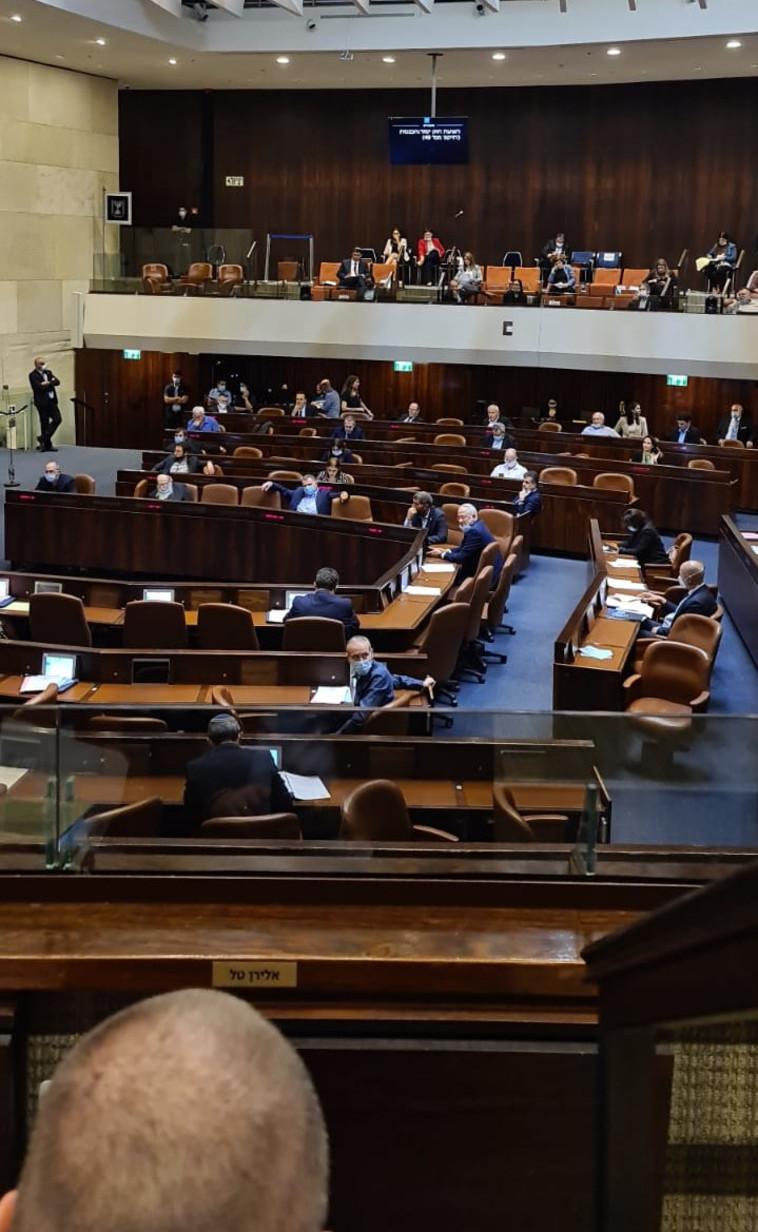 מליאת הכנסת מצביעה על החוק הנורבגי (צילום: ח''כ אלי אבידר)