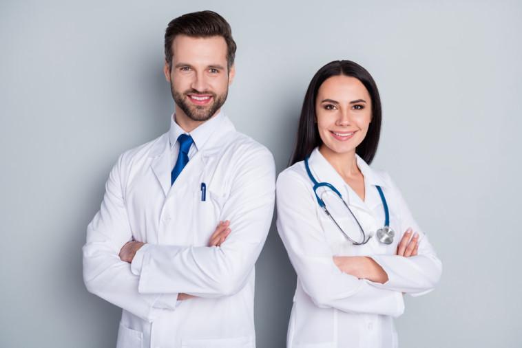 איתור רופאים  (צילום: שטרסטוק)