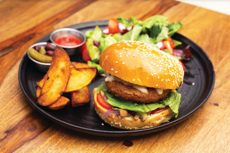 נוקטורנו - המבורגר טבעוני (צילום: קובי שרביט)