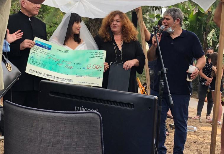 חתונת המחאה של ניצה שאול (צילום: ענבל סלע)