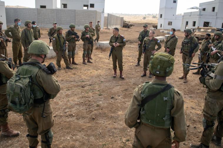 הרמטכ''ל בשיחה עם חיילים בפיקוד הצפון (צילום: דובר צה''ל)