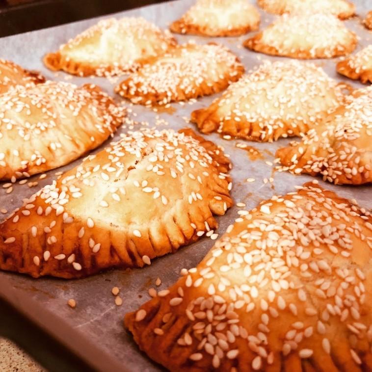בורקיטס: כיסנים במלית גבינה (צילום: פסקל פרץ-רובין)