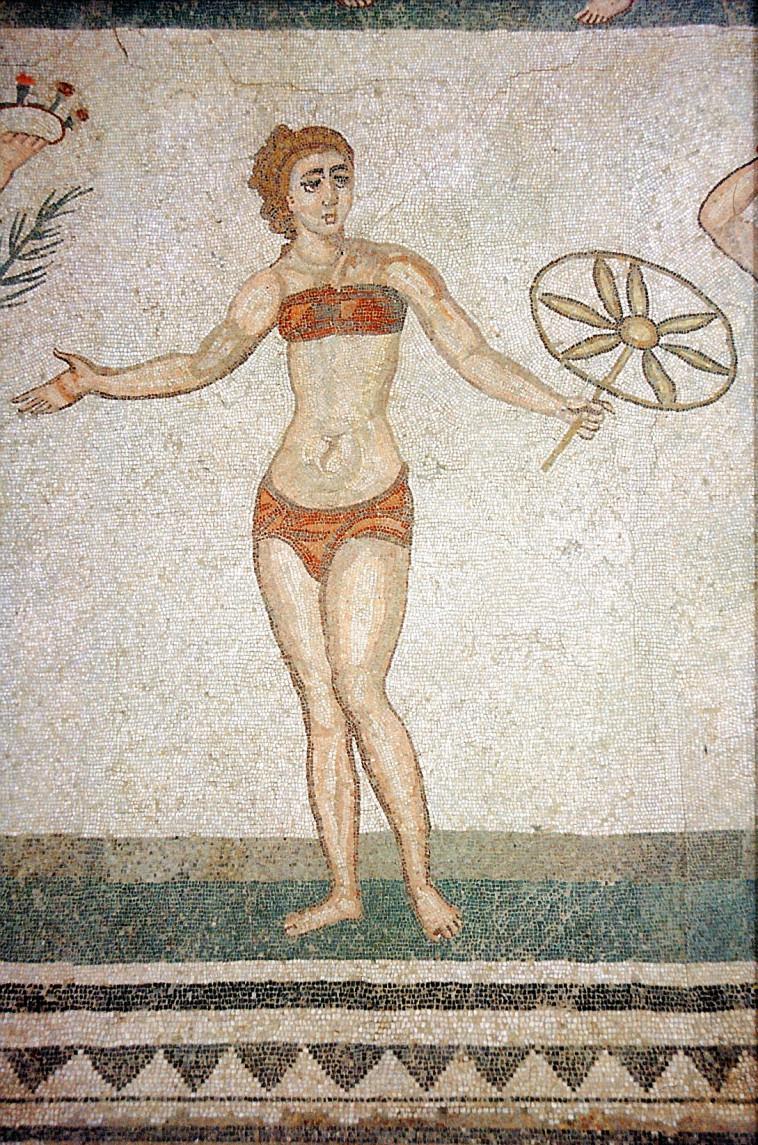 ביקיני, גרסאות ראשוניות  (צילום: ויקיפדיה)