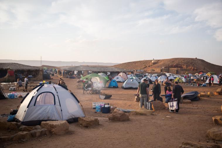 קמפינג בארץ (צילום: הדס פרוש, פלאש 90)