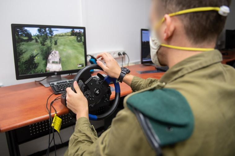 סימולטור קרב דיגיטלי של יחידת 9900 (צילום: דובר צה''ל)