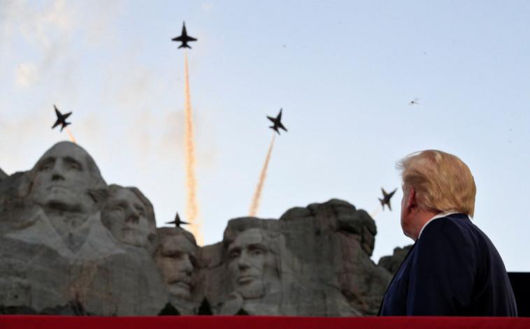 דונלד טראמפ בהר ראשמור: חגיגות ה-4 ביולי (צילום: רויטרס)