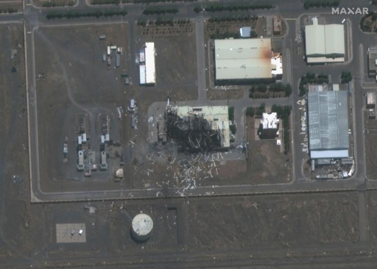 צילום לוויין של הנזק שנגרם לאתר הגרעין בנתנז (צילום: רויטרס)