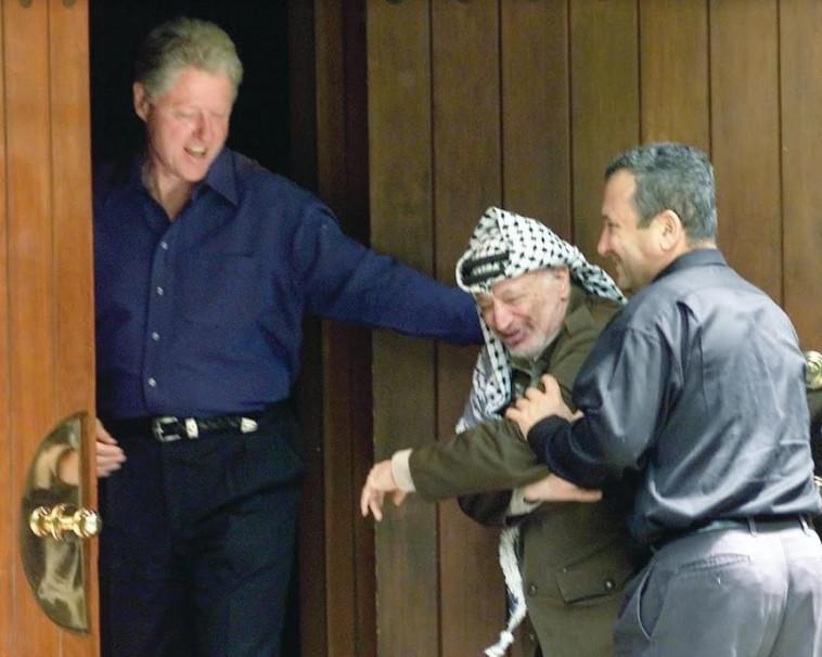 אהוד ברק, יאסר עראפת, ביל קלינטון - קמפ דיוויד  (צילום: רויטרס)